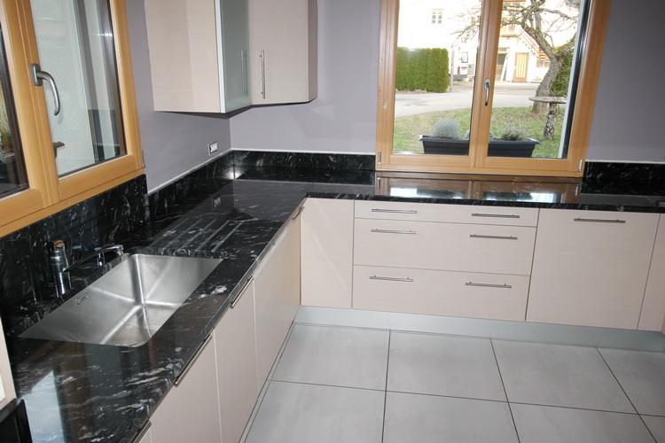 Cuisine en granit titanium 09 12 16 pierre granit - Plan de travail cuisine en granit prix ...