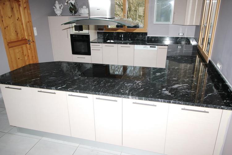 cuisine granite. Black Bedroom Furniture Sets. Home Design Ideas