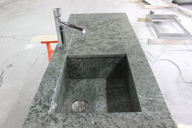 Evier en granit vert san fransisco pierre granit andr for Plan de travail vert
