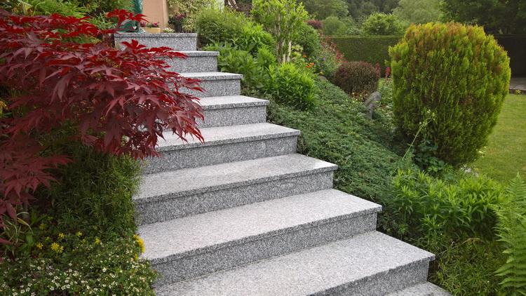 escalier extérieur en granit du Tarn flammé - réalisation et pose ...