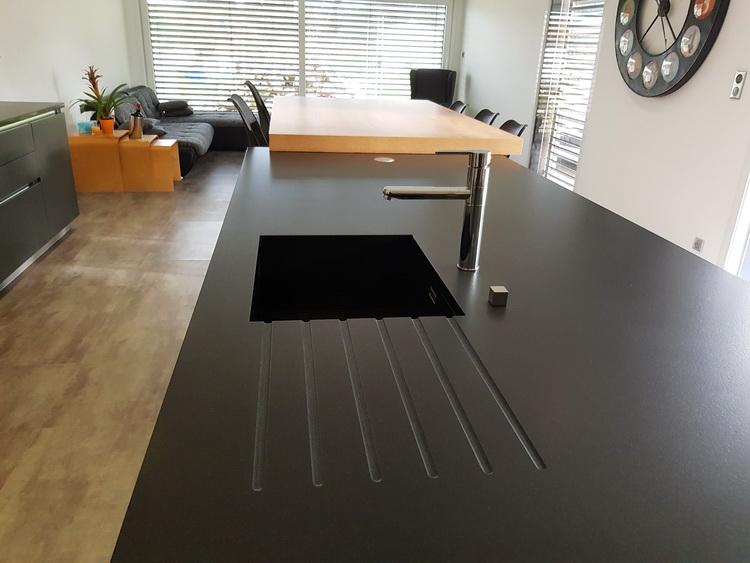 Ilot Central Granit Noir Avec évier Sous Plan En Granit